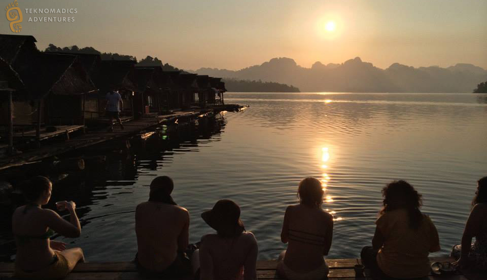 Enjoy the Sunsent on a Khao Sok Lake Tours